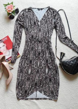 Эффектное и креативное платье в принт рептилия (вискоза)