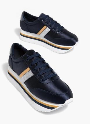 Модные кроссовки на платформе stradivarius