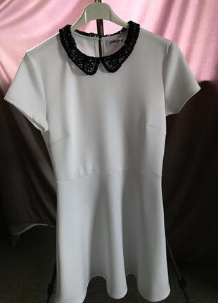 Платье глория джинс м белое с коротким рукавом и воротником кружевным
