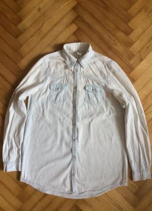 Рубашка из тонкого денима на кнопках от gina tricot! p.-xs