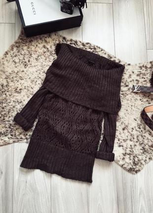 Брендовый свитер с открытыми плечами sisley