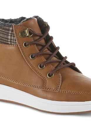 Утеплённые демисезонные ботинки / хай-топы   route 66