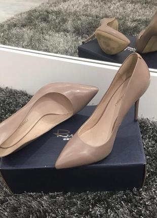 Туфли-лодочки цвета нюд  respect