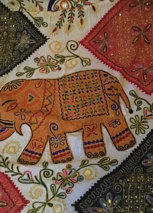 Индийское покрывало+3 атласные наволочки+чехол на коробку для салфеток