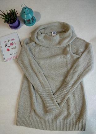 Приятный свитер