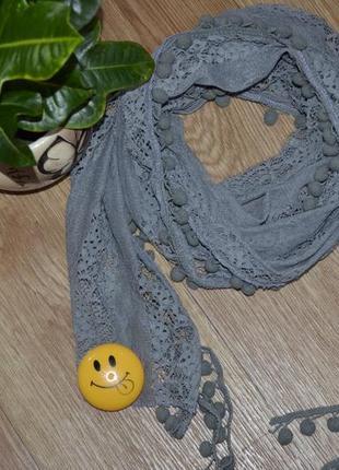 Нежный ажурный шарф , приятный на ощупь.