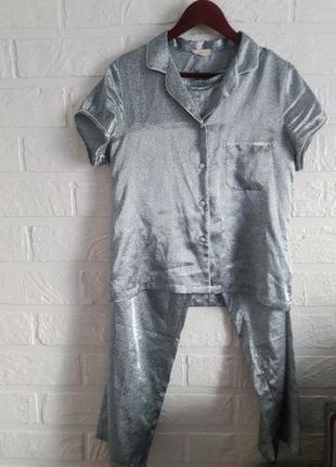 Крутая шелковая пижама