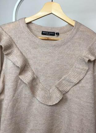 Ніжний светр з рюшею4 фото