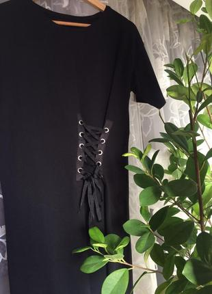 Стильне чорне плаття