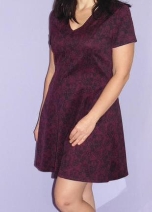 Бордовое платье с имитацией кружева 12 размера