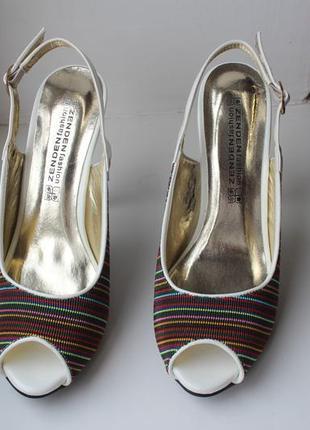 Красивые туфли босоножки