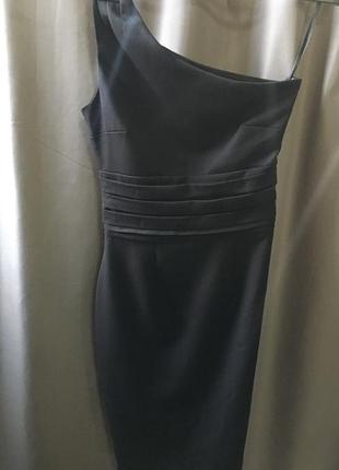 Красивое платье ассиметричного кроя