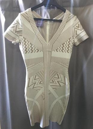 Обалденное платье herve leger, идеально подойдёт для новогодней вечеринки