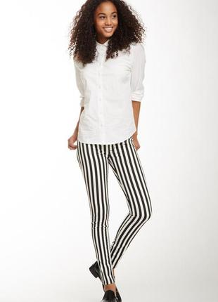 Zara стильные брюки/джинсы скинни в полоску