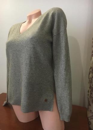 Стильный фирменный кашемировый свитер
