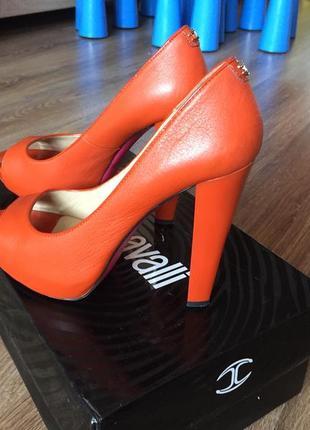Кожаные туфли just cavalli