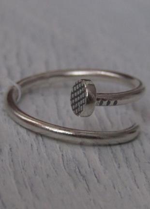 Серебряное кольцо гвоздь
