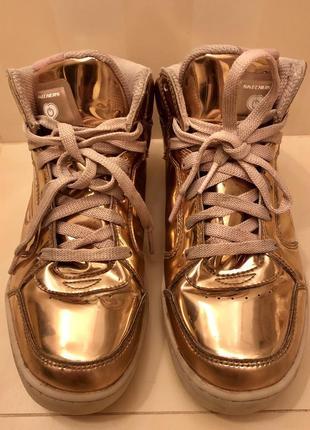 Золотые кроссовки skechers, us 4 + шлепки