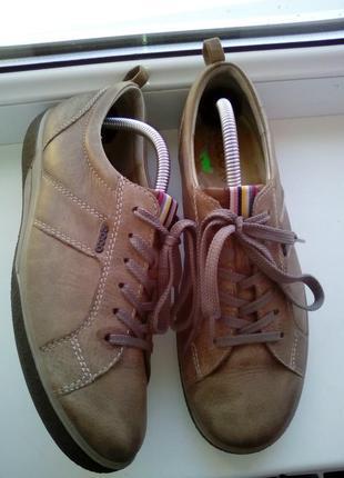 Кожаные туфли на шнуровке ессо
