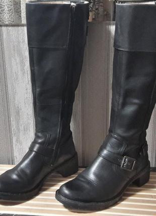 Кожаные высокие сапоги от clarks