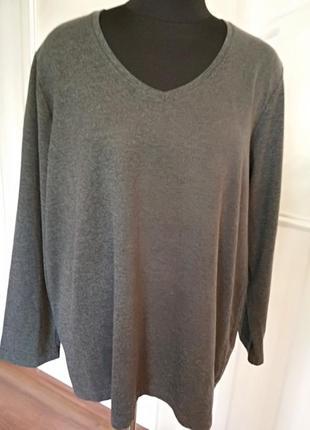 Трикотажный свитерок большого размера 3xl, наш 54-56.