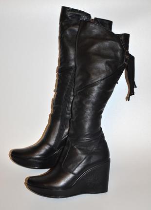 Зимние кожаные женские  сапоги