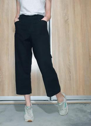 Укороченные  льняные брюки-кюлоты свободного кроя италия