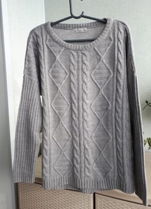Красивый удлиненный свитер оверсайз интересная вязка резина и косы сзади длиннее