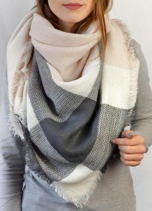 Теплый шарф плед платок в клетку светло-бежевый