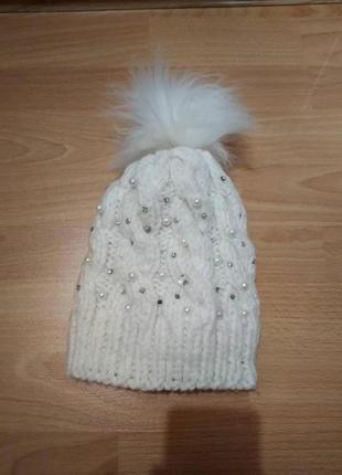 Вязаная шапка шапочка зима с жемчугом и камнями на флисе