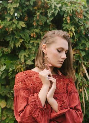 Essence cult кожаный ловец снов серьги с натуральным пером в бохо стиле