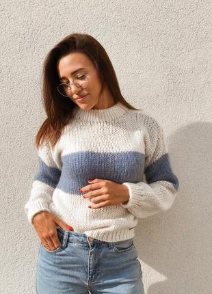 Тёплый мягенький свитер с полоской♥