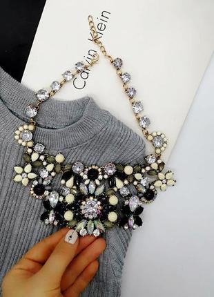 Колье ожерелье. стильное колье праздничное ожерелье