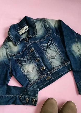 Короткий джинсовий піджак