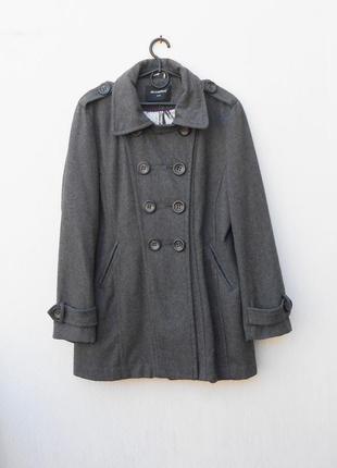 Серое осеннее 55% шерстяное пальто