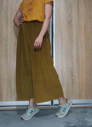 Офигенные велюровые свободные штаны-кюлоты горчичного цвета zara
