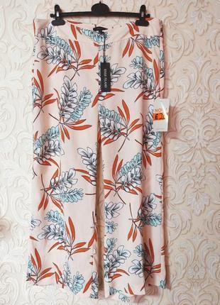 Невероятно красивые капри кюлоты/ широкие летние штаны uk 18  наш 52