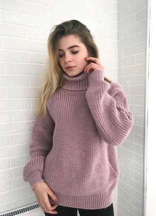 Тёплый, мягкий свитер. 50% шерсть.