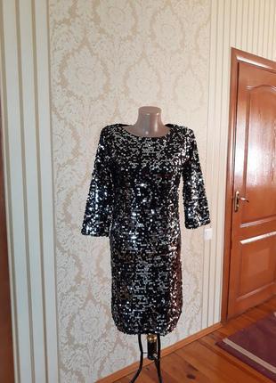 Фактурное нарядное вечернее коктельное платье с пайетками