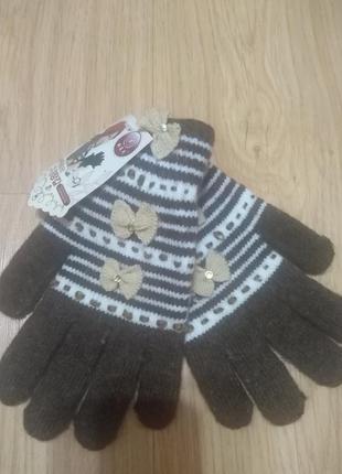 Модные перчатки с бантиками со стразами