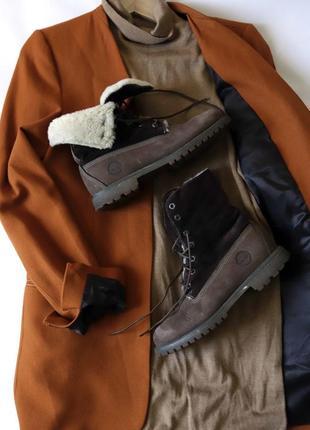 Зимние кожаные ботинки на овчине timberland