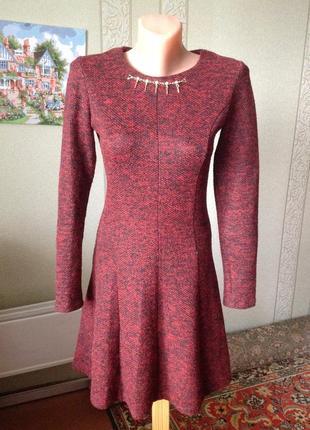 Милейшее теплое платье винного цвета с пышной юбкой