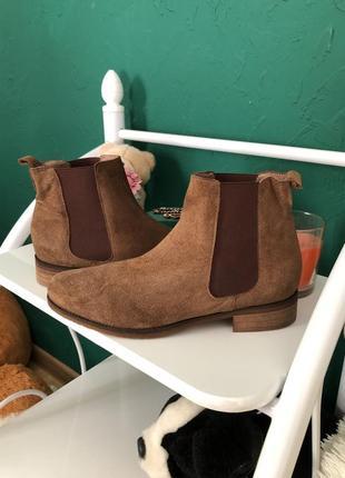 Стильные ботинки из натуральной замши andre