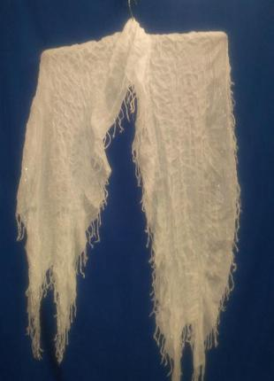 Белый нарядный ажурный  шарф