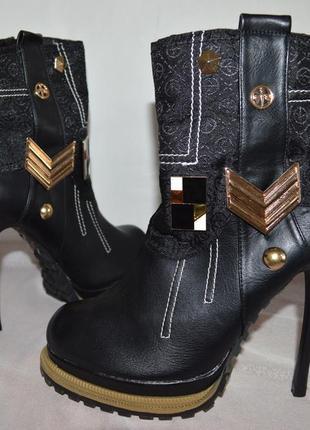 Бредовые черные полусапожки ботинки высокий каблук mosquitos