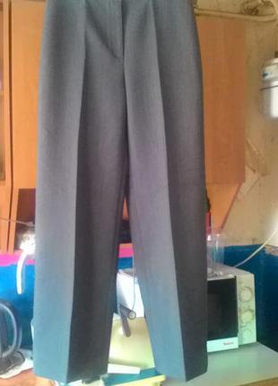 Классические прямые брюки со стрелками и широкими холошами