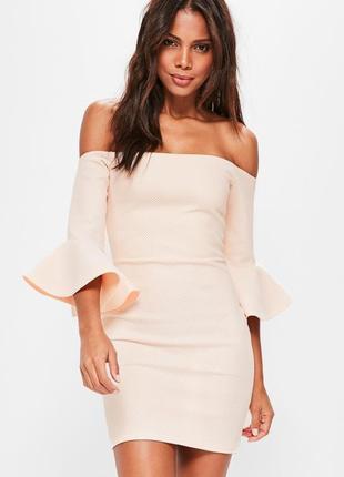 Утягивающее платье с воланами missguided