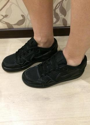 Nike оригинал кроссовки размер 38.5