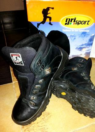 Отличные ботинки для зимы и отдыха треккинговые. grisport италия 46 р. кожа
