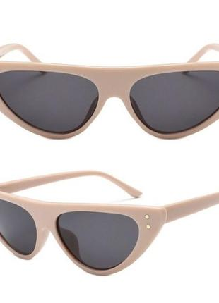 Женские солнцезащитные очки кошечки лисички cat eyes трендовые новинка стильные